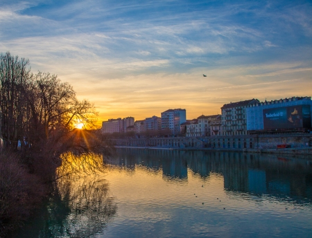 tramonto in Borgo Po a Torino